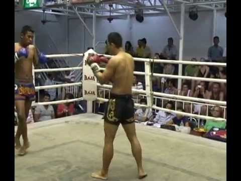 Albert Han from Canada fighting for Sinbi Muay Thai @ Bangla Boxing Stadium