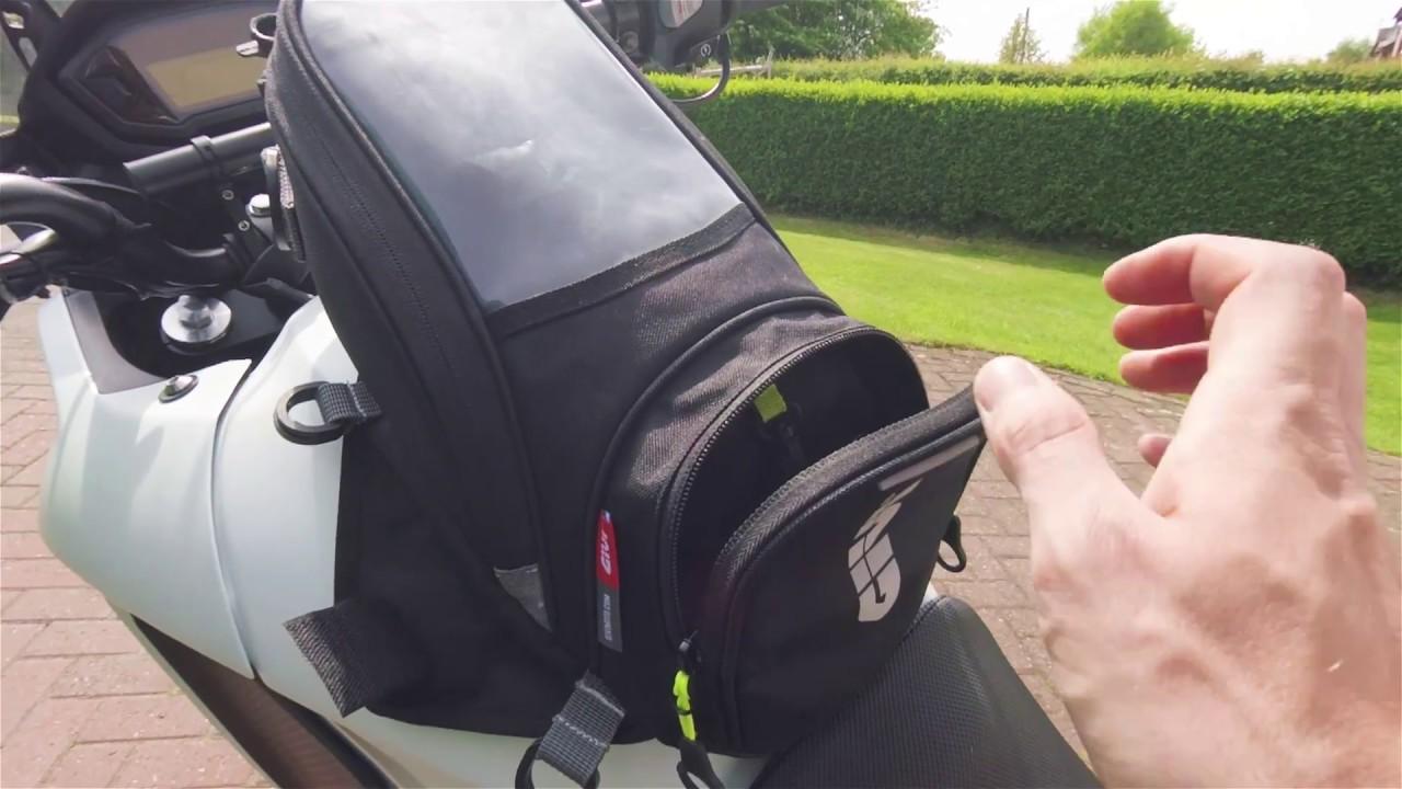 Black Givi EA106B Easy-Magnet Tank Bag