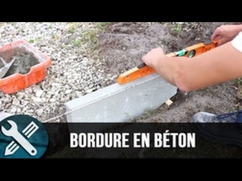 Bricolage vlogs r alisation d 39 une bordure en b ton youtube for Bordure jardin beton