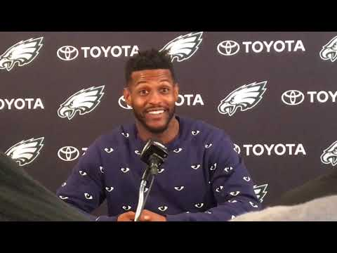 Philadelphia Eagles' Mike Wallace's odd weight clause, Carson Wentz's threads and more
