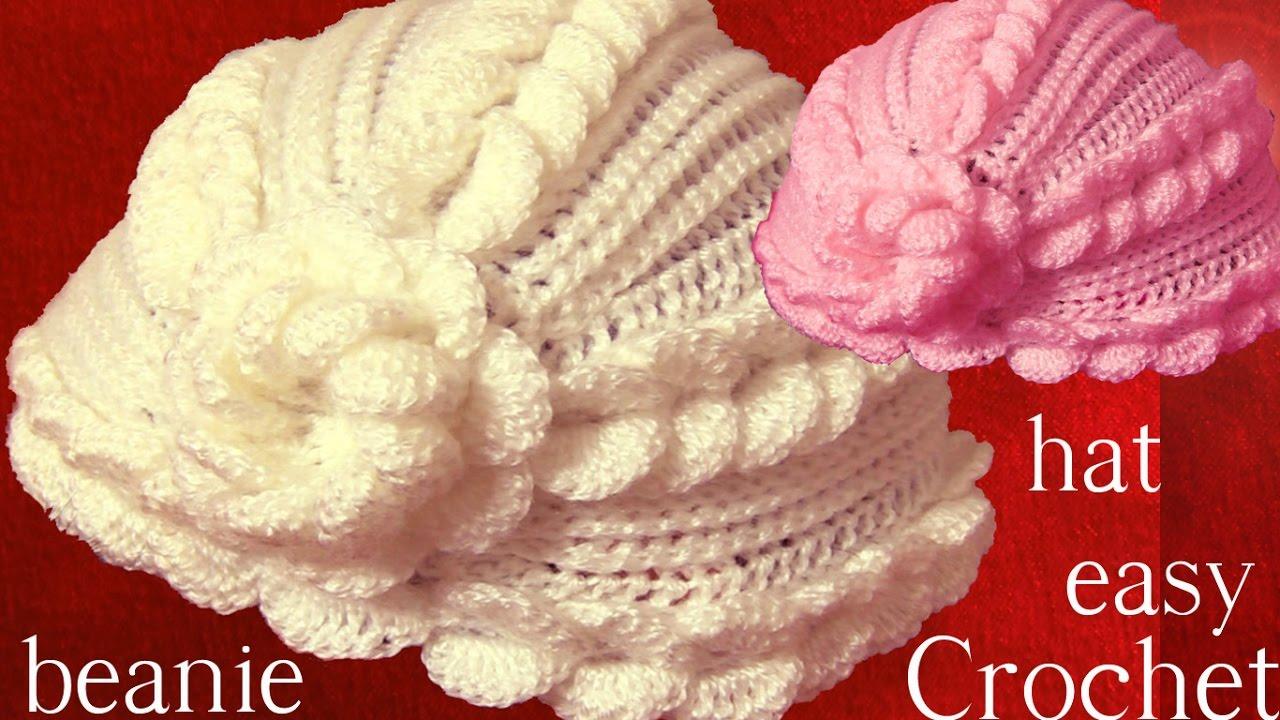 Gorro tejido con hojas superpuestas en relieve y flor a Crochet o Ganchillo e66399f164a