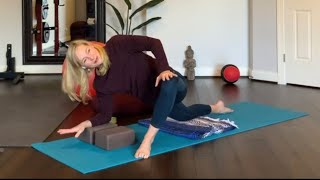 RESTORATIVE YOGA E35 HIP, INNER THIGH, HAMSTRING FOCUS (F011521)