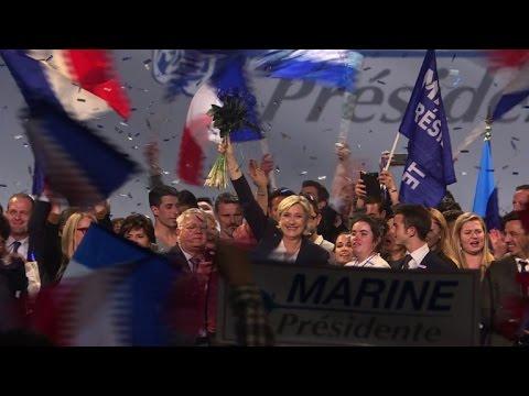 """Le Pen dénonce """"les flèches venimeuses"""" des médias"""