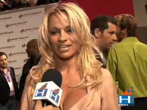 Pamela Anderson And Rick Solomon Honeymoon In Las Vegas