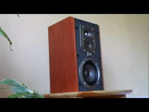 ES20 JBL Bookshelf Speaker