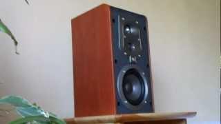 JBL ES20 bookshelf speaker