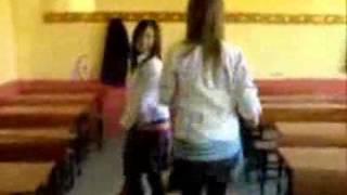 Liseli Kızlar Mezdeke Dans Show
