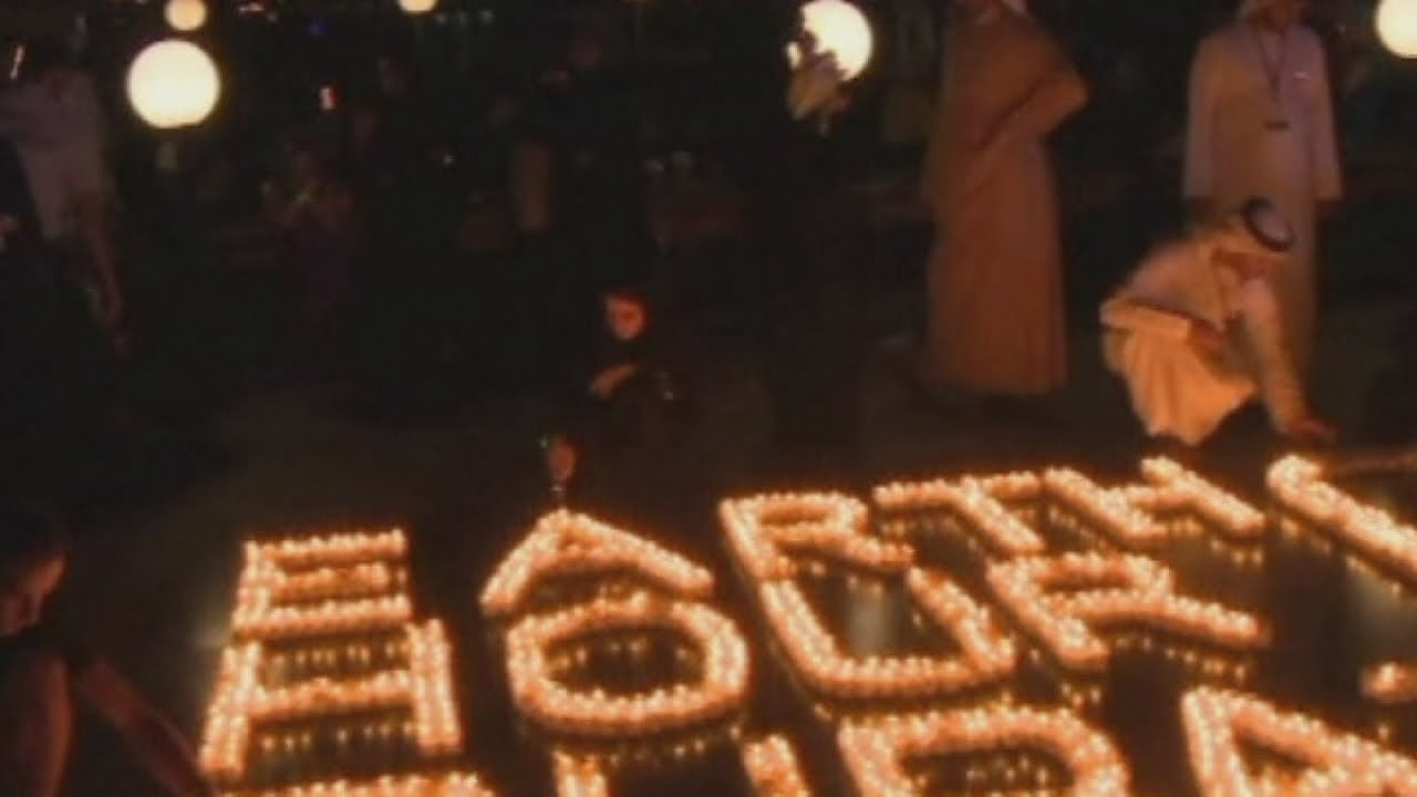 Earth hour 2013: London, Paris and Dubai switch off their lights