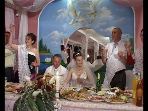 Busuioc moldovenesc-Primirea la masa.wmv