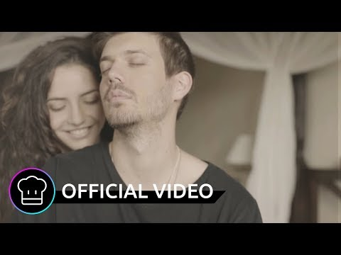 Juno im Park feat. Hannah Trigwell - Never Gonna Give You Up (Official Video)
