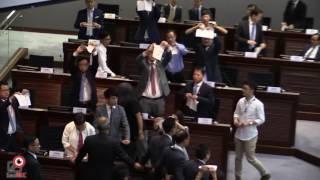 12oct2016三名未確認誓詞議員不獲選主席資格泛民抗議離場
