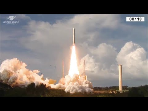 Blastoff! Ariane 5 Rocket Launches Two Communications Satellites