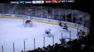 Vancouver Canucks at Chicago Blackhawks NHL Hockey Feb 19 2013 / Hockey sobre hielo en espanol