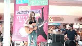 Play Nina (live)