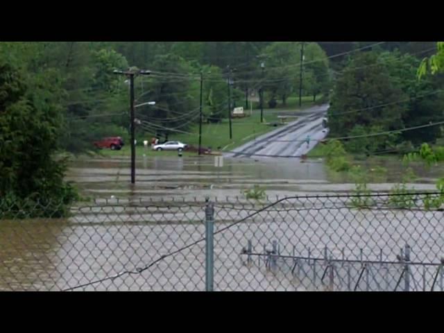 Linden Drive Neighborhood Flood #9 - Nashville Flood 2010