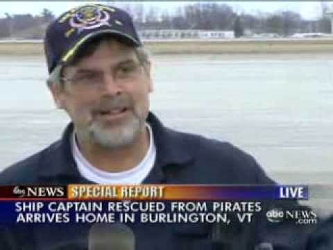 Capt. Richard Phillips Risked Crew's Lives Before Hijacking, Suit Alleges