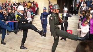 Anıtkabir'de Efsane Nöbet değişimi !!!