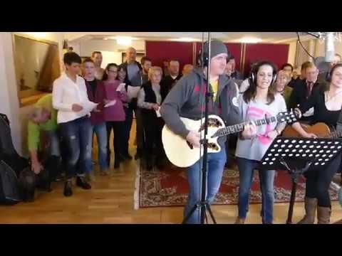 """Leipzig: Mitglieder des Vereins """"Friedenslauf von Rom"""" nehmen Song auf"""