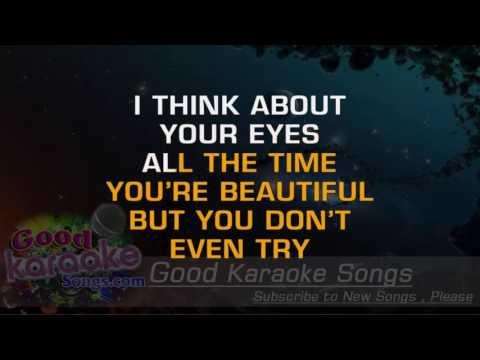 Lovebug -  Jonas Brothers (Lyrics Karaoke) [ goodkaraokesongs.com ]