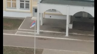 Неправильно повесил флаг РФ