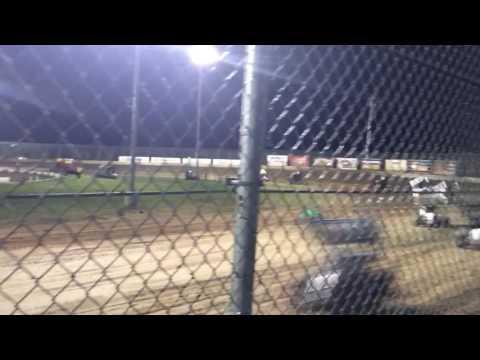 Willamette Speedway Lebanon Oregon sprint car race