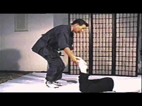 Shiatsu Massage Lower Limbs (Namikoshi)