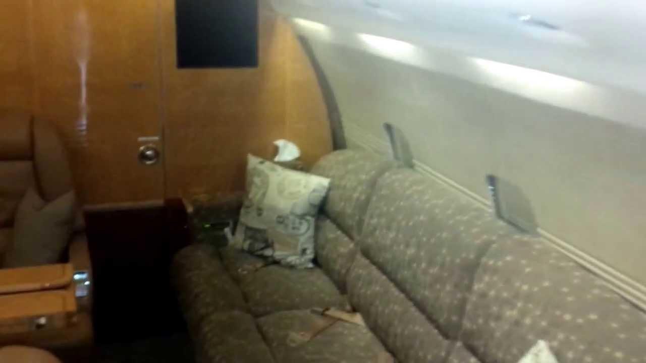 bombardier challenger 600 interior luxury jet youtube. Black Bedroom Furniture Sets. Home Design Ideas