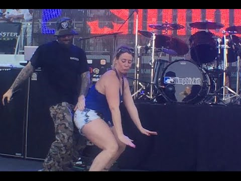 Limp Bizkit - Fred Durst & Girl Dancing to a sick Trap Remix of 'Back Porch' @ShipRocked 2015