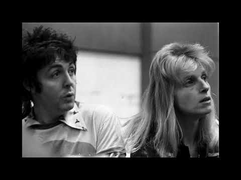 Paul and Linda McCartney: Hello Piccadilly (1974 jingle short version)