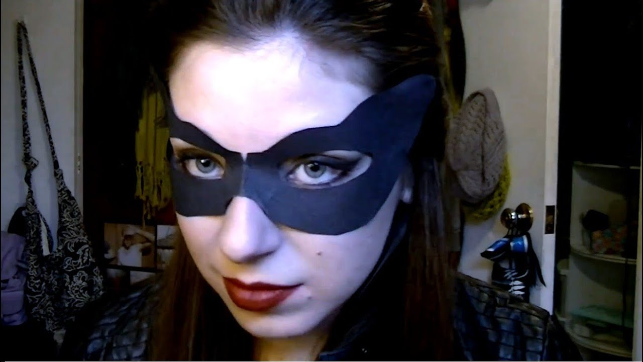 Anne Hathaway Catwoman Makeup Hair In The Dark Knight Rises