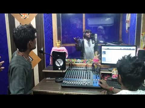 Munni Lal Pyare Studio Mein Gaate Rakhte, Chala La Ye Bagal Wali