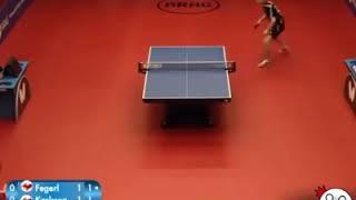 Tennis terkecil ! Inilah pertarungan tennis meja dengan meja yang kecil