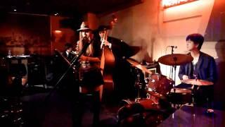2010年11月28日(日)水道橋「東京倶楽部」でのライブです。