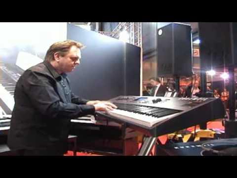 Kurzweil pc3x salon de la musique et du son paris 2008 for Salon musique paris