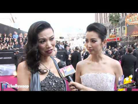 Wendi Deng & Bingbing Li Talk Oscar Fashion at 2012 Academy Awards