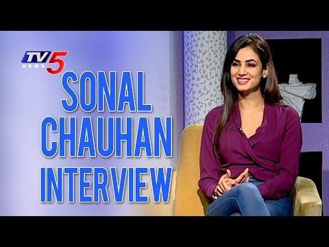 Sonal Chauhan Interview | Dictator Movie | Balakrishna | Anjali | Sriwass | TV5 News