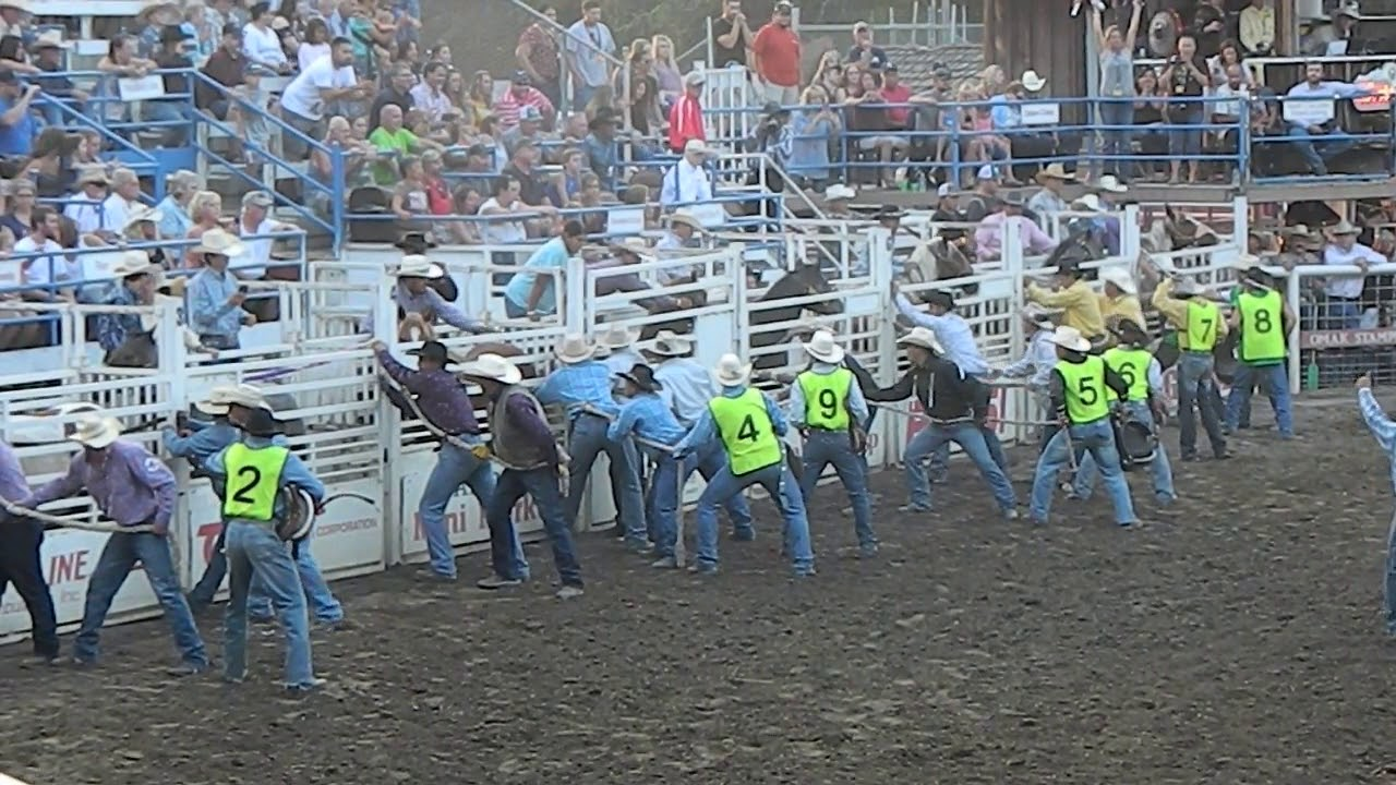 Wild Horse Race At 2017 Omak Stampede Youtube