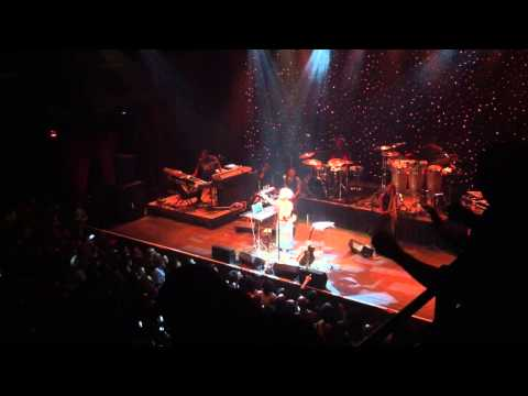 Erykah Badu Live at The Fillmore - Orange Moon - 3/1/13 - Mama's Gun