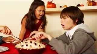 Cómo enseñar a los niños buena conducta en la mesa