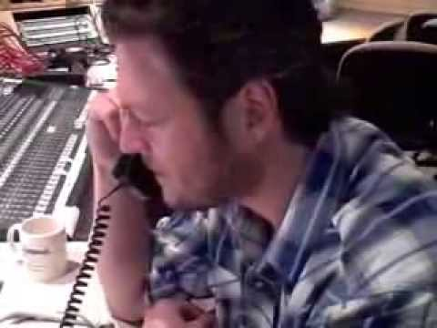 Pure BS: Vote Blake for the CMT Awards!