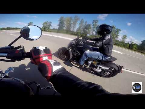 Ducati Diavel Vs Triumph Rocket