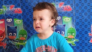 kids play funny vidéos. hamza and anas