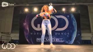 Красивая Девушка Невероятно Танцует
