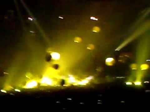 Coldplay - Yellow | Calgary,  2009