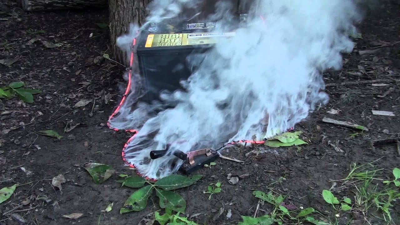 Burning wire with too much current - YouTube
