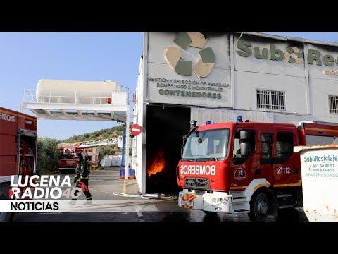 VÍDEO: Las imágenes del incendio en la empresa SubReciclaje en La Sierrezuela