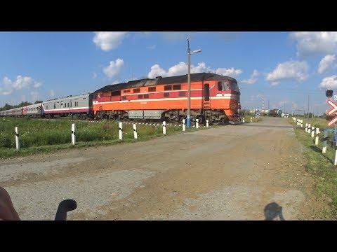 ТЭП70-0535 с пассажирским поездом на перегоне Устье-Аха - Мортка