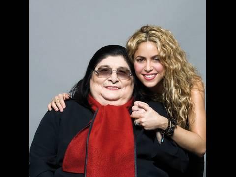 "Mercedes Sosa y Shakira graban ""La Maza"". - YouTube"