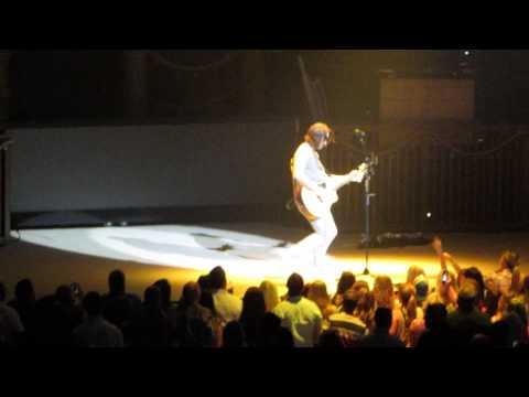 Jake Owen- Medley of his favorite songs (live)