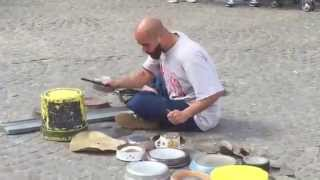 Уличный музыкант в Амстердаме(Мой брат прислал мне этого классного парня! И не говорите потом, что предки не дают денег на ударную установ..., 2015-06-05T10:56:55.000Z)